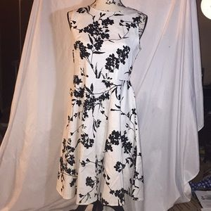 Dresses & Skirts - New floral a-line dress
